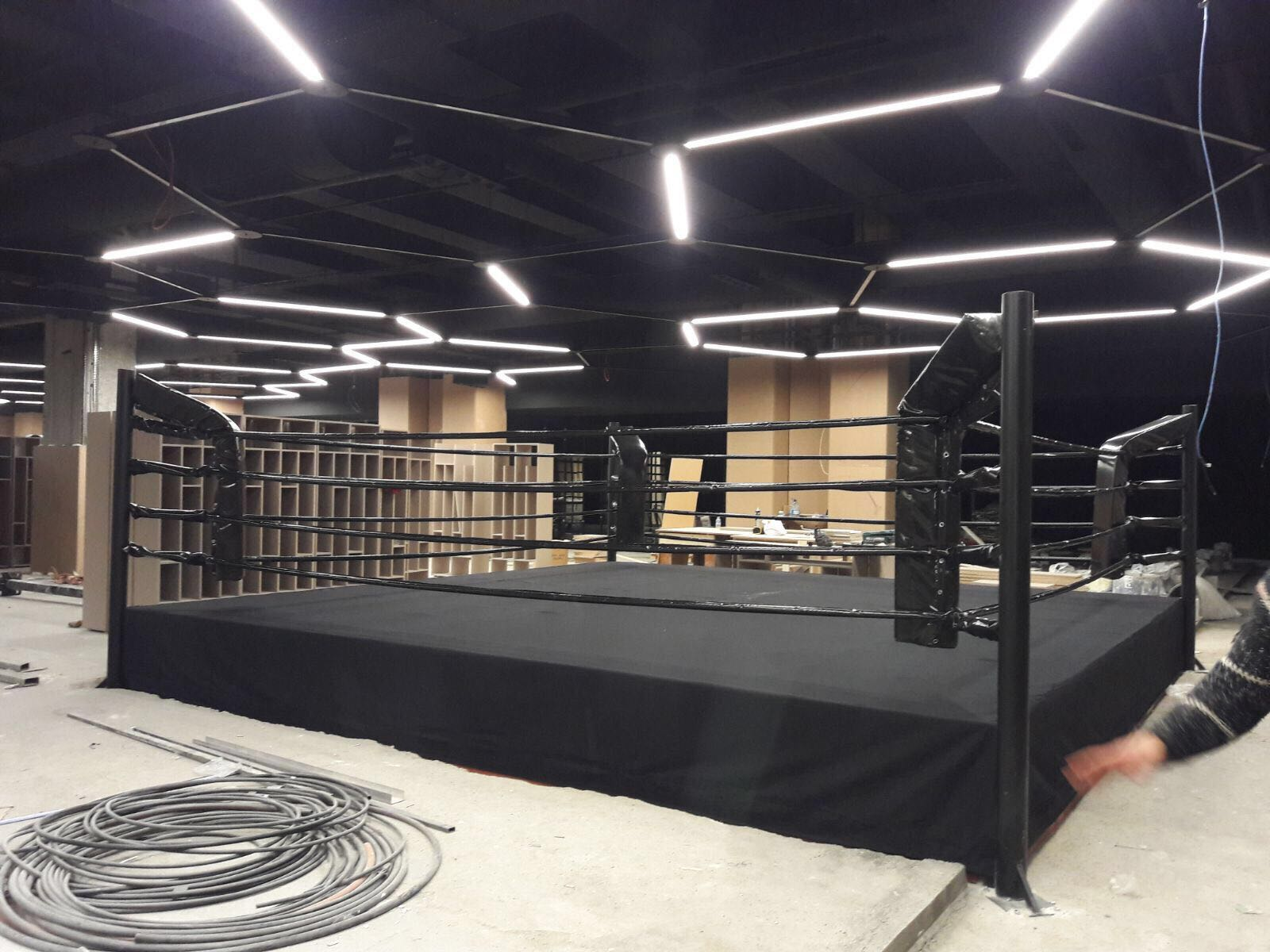 Bursa marka AVM spor merkezine boks ringi teslim edilmiştir